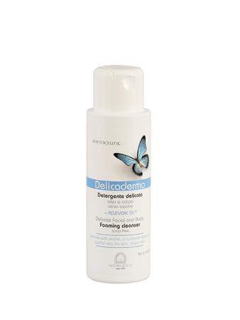 Delicaderma Emolientowy Żel do mycia ciała i głowy - skóra sucha, atopowa, alergiczna (1)